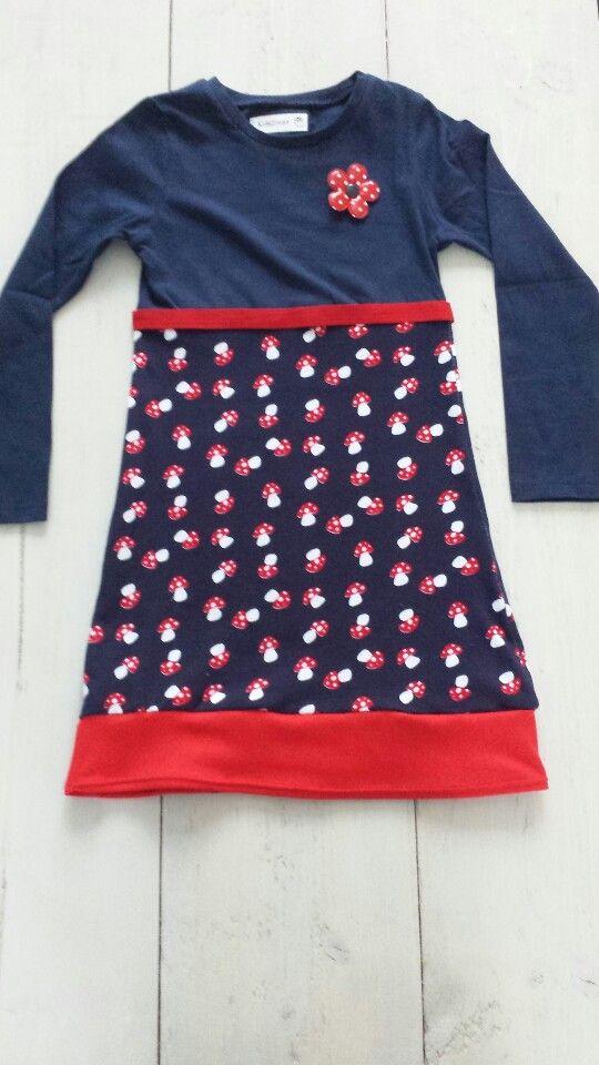 Kidsziezo paddenstoelenjurkje  Ik maak verschillende jurkjes voor kinderen die zijn te bestellen in alle maten. Je kunt kijken op de kidsziezo facebook site! Misschien tot ziens!