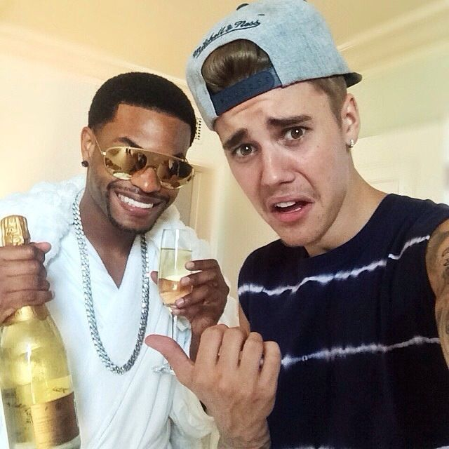 If u haven't seen the vines they both made u should because it's funny af