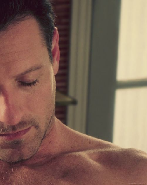 Ian Bohen, Teen Wolf's  Peter Hale. i love peter so much!!!! but then again i hate him. just look what he did. and to think he might team up with kate?!!! ugh peter come on