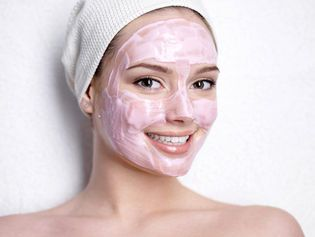 Natural face masks for acne