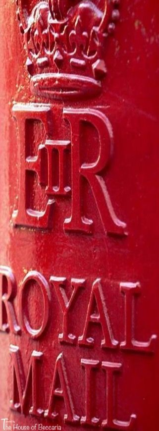 ~Less well-known than the classic phone box but equally stylish ~ the Royal Mail post box | The House of Beccaria