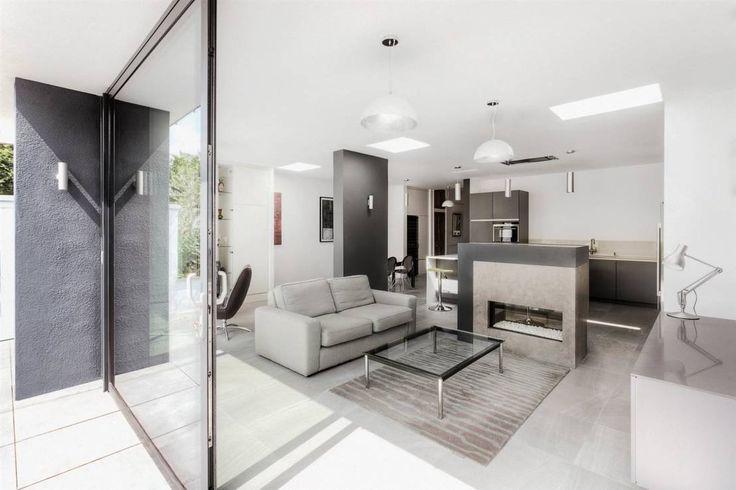 Modernes Townhouse mit offenem Wohnraum Offene wohnräume - farbiges modernes appartement hong kong