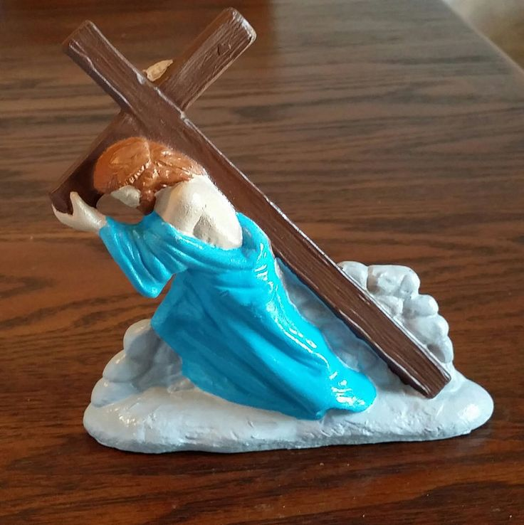 Hand Painted Ceramic Jesus Carrying Cross Figurine NEW Free Shipping