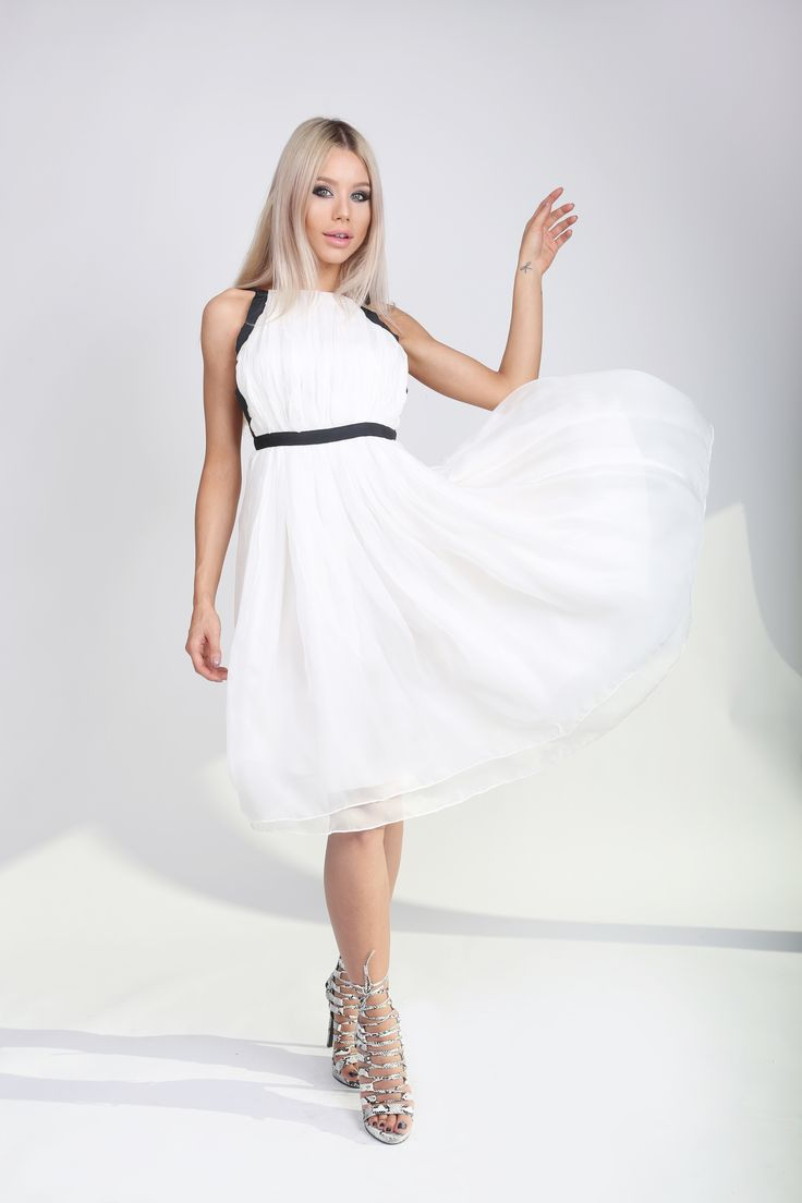 Pure White Dress! http://www.noire.ro/product/pure-white-dress/