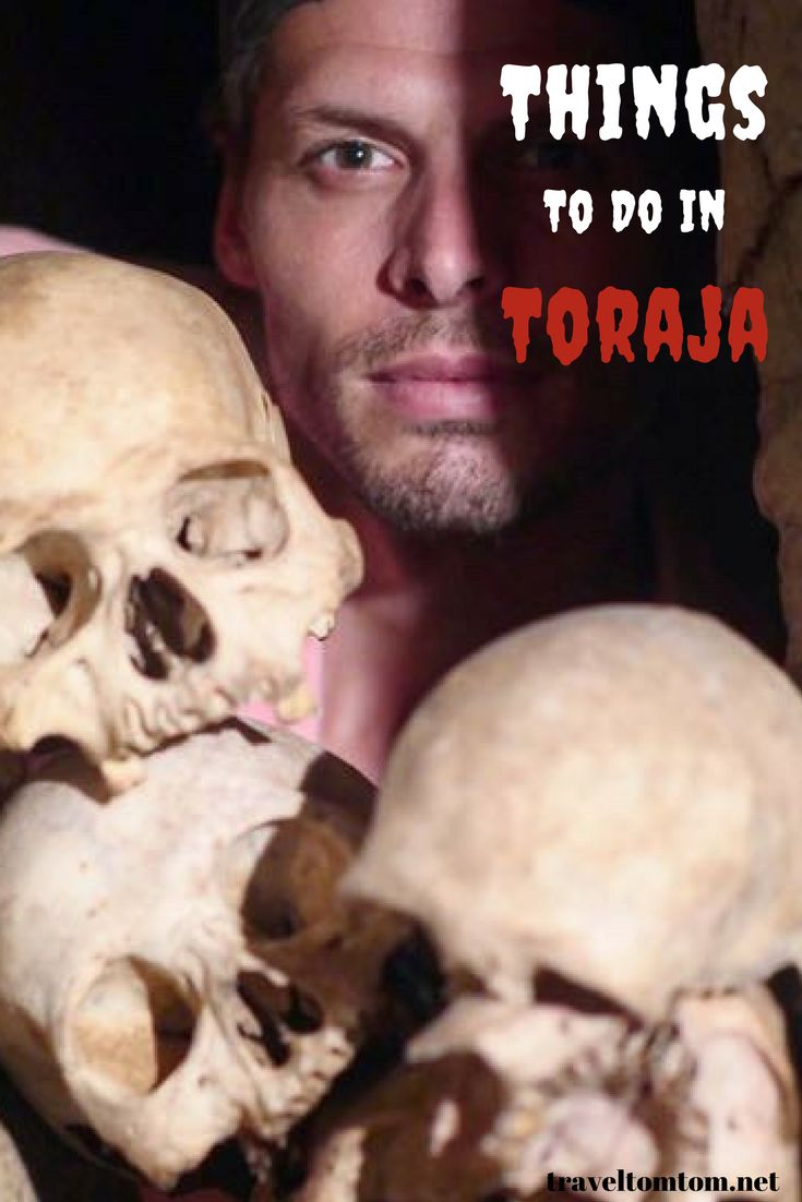 Toraja Travel guide! When you visit Tana Toraja in Sulawesi they are more than happy to show you their funeral rituals as their life is all about it. It may sound a little creepy, but the believes of the Toraja people are just a little different than ours and therefore extremely interesting to experience. This is one of the best things to do in Toraja but there are more things to do in Toraja. Read more about it in my blog. #Indonesia #toraja #Asia