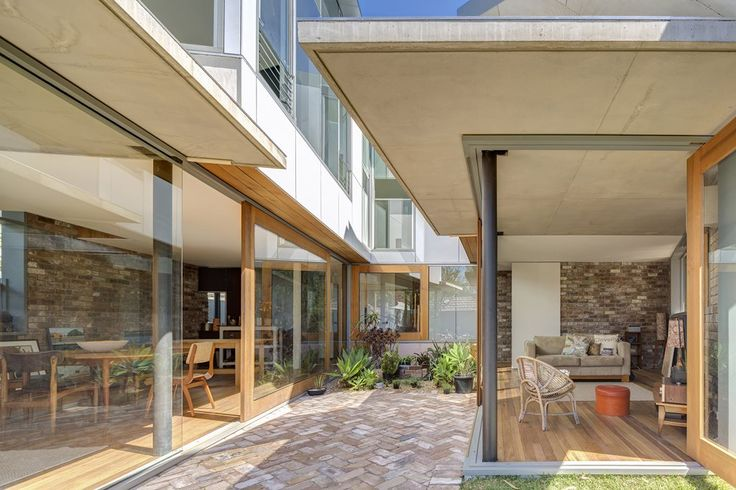 Reimagining through reuse: Drew Heath Architects designs Nikki Maloney's House from scratch with old materials | Architecture And Design