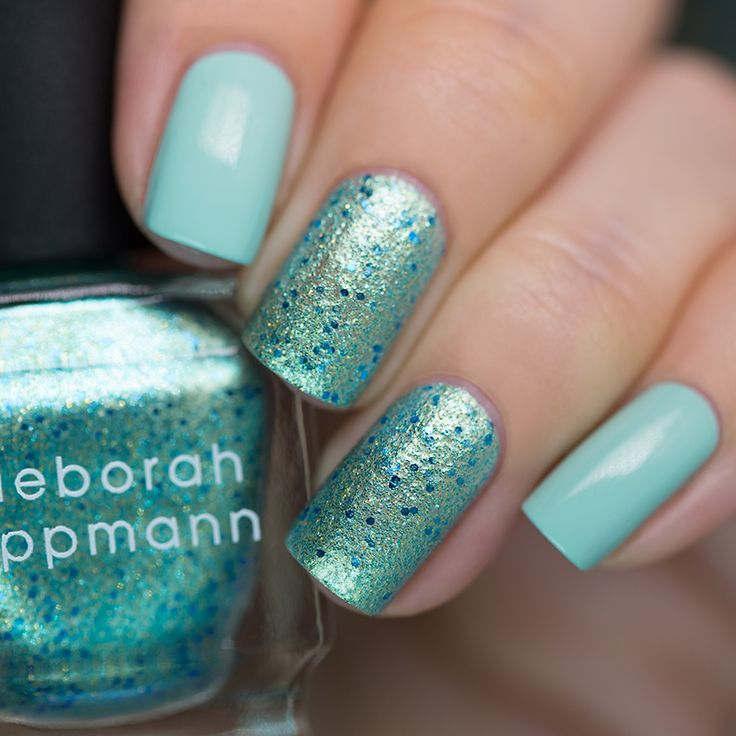 I'm sure most of you have heard about Deborah Lippmann's Mermaid's Dream in the last couple of years, because there was (and still is) a big hype around it. It was released before all the indie frenzy, when we were starved for more special polishes.I've been longing for this one for 3 years, but…