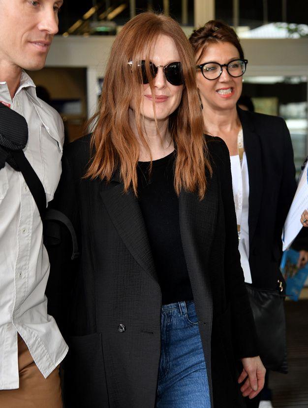 Cannes 2016 les stars arrivent a l aeroport Julianne Moore