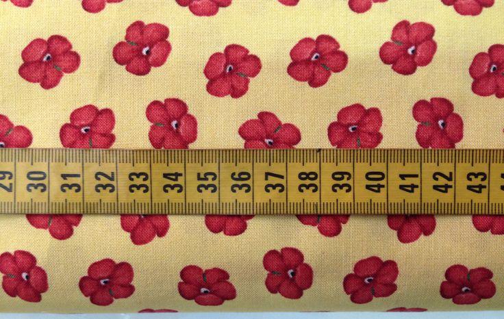 Tela de Patchwork Amarilla con Geranios Rojos. Ancho 110 cm. Algodón 100%