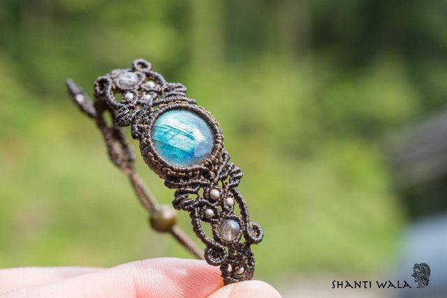 ラブラドライトのマクラメ編み 天然石ブレスレット                                                                                                                                                                                 もっと見る