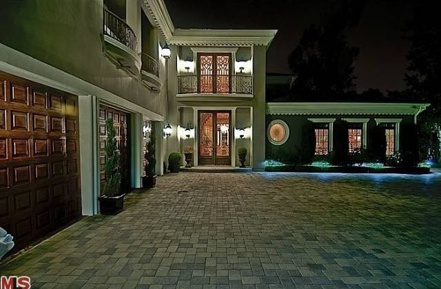 99 best images about hollywood star homes on pinterest for Home with recording studio for sale