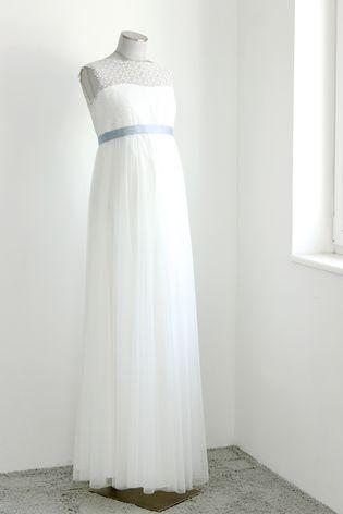 Hochzeitskleid für Schwangere mit Spitze (Foto: Le Hai Linh)