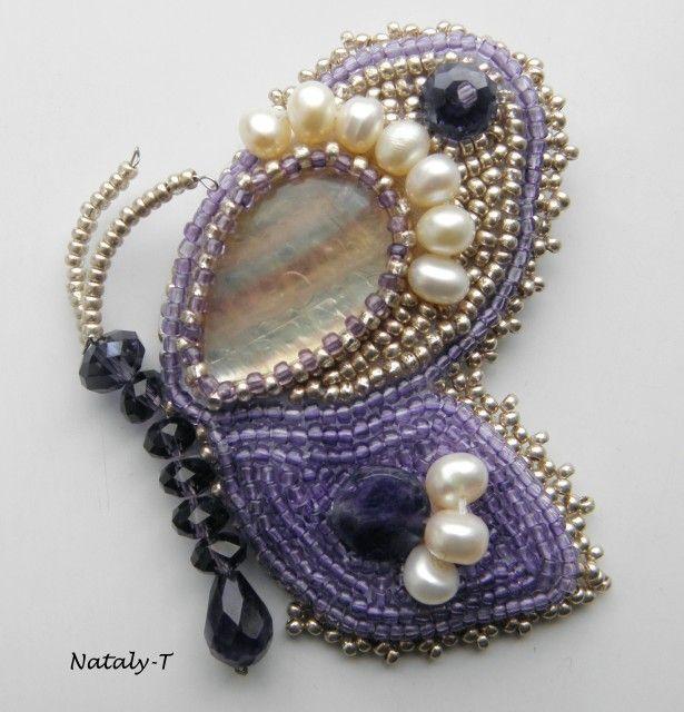 Два в одном. Ожерелье и брошка бабочка. Изготовлено из капли флюорита и аметиста.