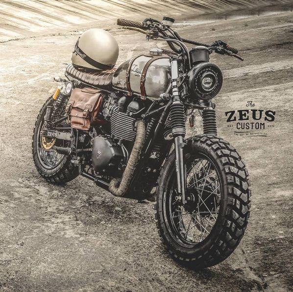 """rankxerox: """" zeuscustomสวัสดีวันหยุดของใครหลายคน แต่สำหรับซุสเราไม่หยุดให้บริการครับ เสียบกุญแจรถแล้วบิดมาเยือนสำนัก Zeus Custom กันนะครับ ยินดีต้อนรับครับ """""""