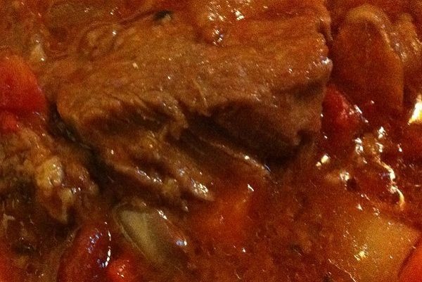 Slow Cooker Swiss Steak That'll Set Your Dinner Table Apart From Others :http://recipescool.com/slow-cooker-swiss-steak-thatll-set-dinner-table-apart-others/