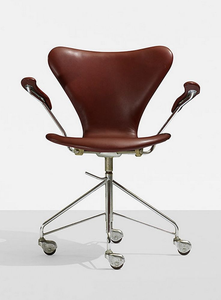 scandinaviancollectors:  ARNE JACOBSEN, Sevener chair, model 3217 by Fritz Hansen, Denmark , 1955. Leather, matte chrome-plated steel and rubber. / Wright
