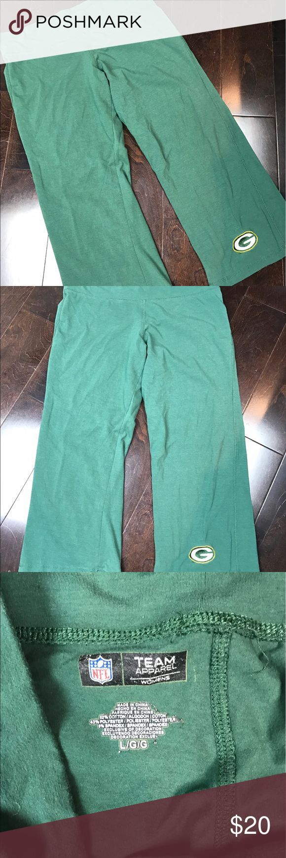 """Green Bay Packers Green Capris Size Large Stylish, Trendy, In fashion!  Make this item part of your Packers wardrobe today!  So comfy and cozy.  Wear them out and about or at home.  🏈 Size  - Large 🏈 Color - Green w/ Green Bay Logo  Please """"comment"""" below with questions on this listing or other listings in my closet.  I accept resonable offers!  Please, no trades.  The other items pictured are not sold with this listing. NFL Team Apparel Pants Capris"""