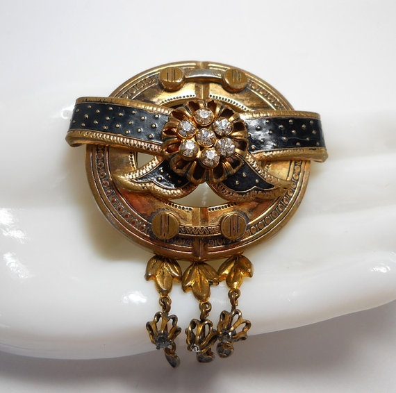 Vintage Early Schiaparelli Victorian Mourning Brooch by WeBos