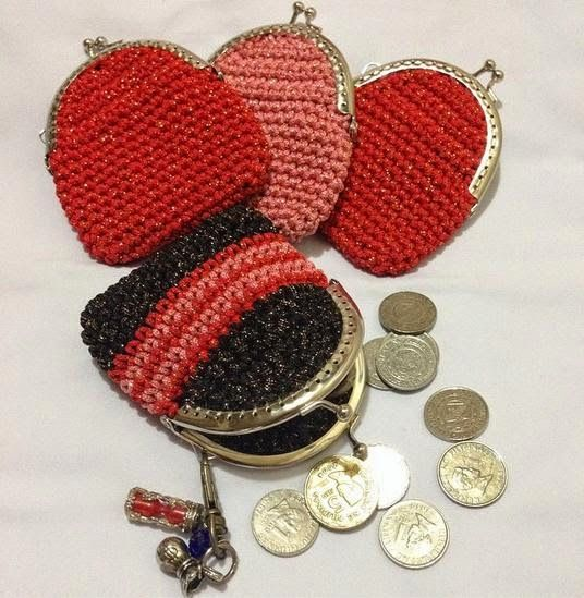 Metal Framed Crochet Coin Purse (Free Pattern)