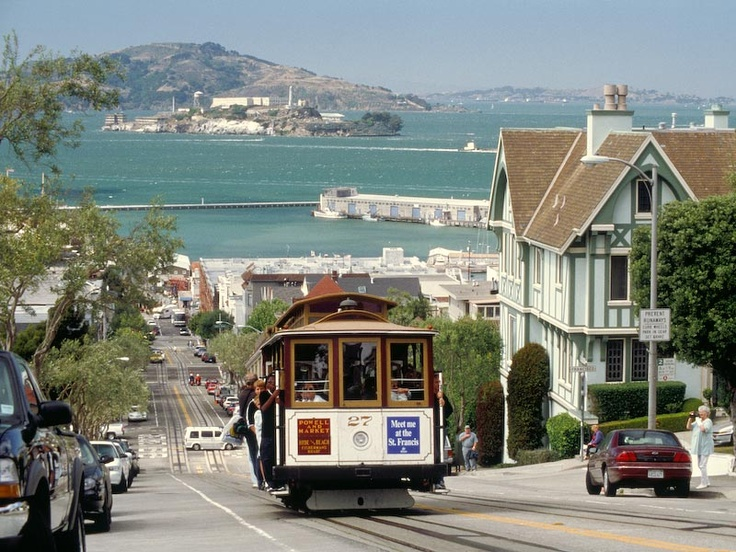 San Francisco, the city is surprisingly warm and quiet in January. Plus there's lots of great after Christmas sales.: Cable Cars, San Francisco California, Christmas Sales, Beautiful San, Favorite Cities, California Callin, The Cities, San Franawesom, Trolley Cars