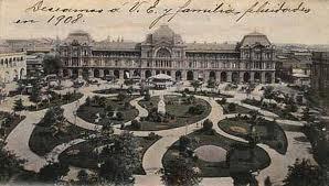 Plaza de Armas, Santiago de Chile en 1908:con sus jardines con forma de yingyang
