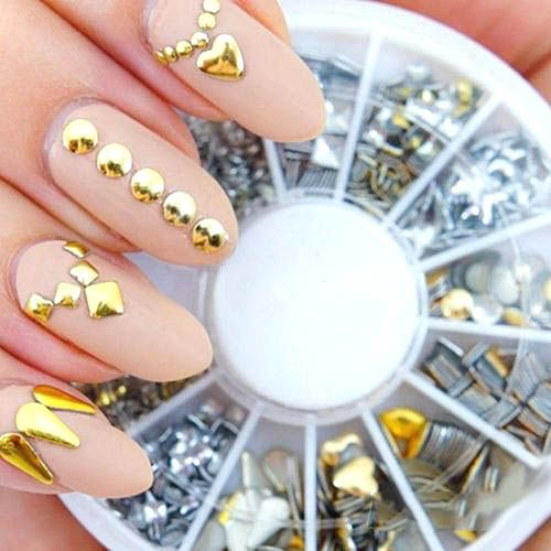 Pierres Decoratives Bijoux d'ongles Strass Dore Argent Metal Studds Nail Art Rock Boheme beaute-beauty.com #nail #ongles