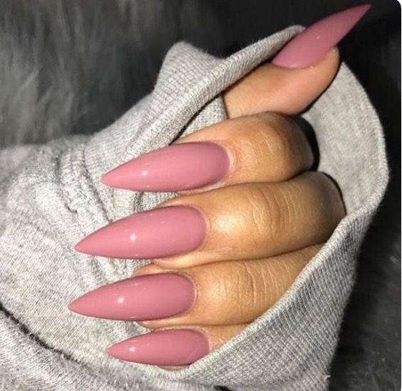 """""""Du bist unglaublich, du wirst geliebt"""", folgt Stephanie Padron – Nails"""