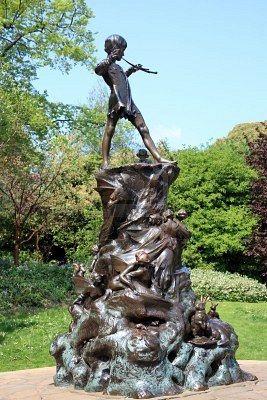 Peter Pan statue in Kensington Gardens, London