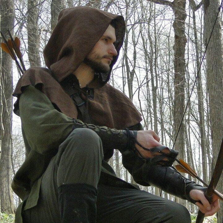 Archer / ranger costume, made by folkofthewood on Etsy  Robin hood, medieval mens costume set