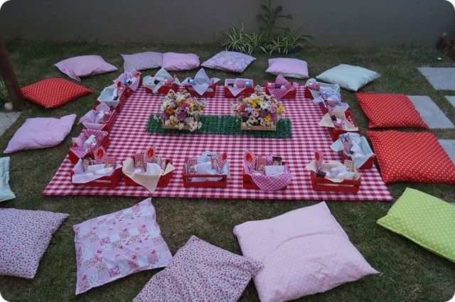 A gorgeous and unusual way to entertain friends.