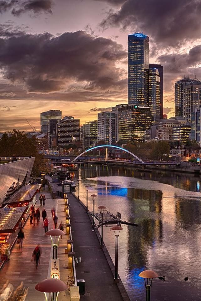 Melbourne, Victoria. The Yarra river at dusk
