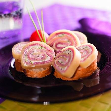 Egy finom Vendégváró sonkás sajttekercs ebédre vagy vacsorára? Vendégváró sonkás sajttekercs Receptek a Mindmegette.hu Recept gyűjteményében!