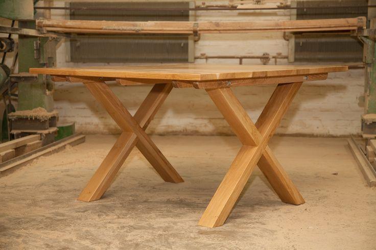 Stół z nogami X