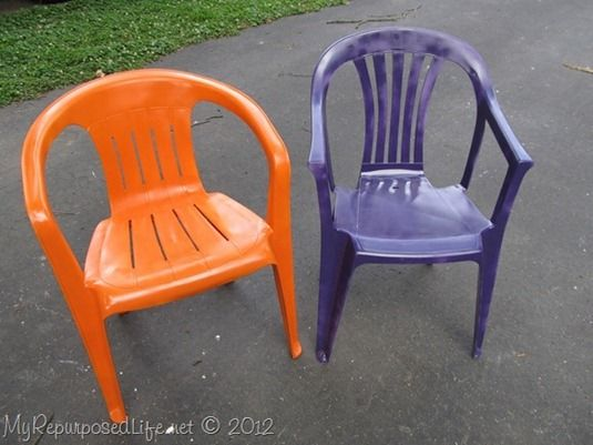 My Repurposed Life--painted plastic patio chairs after (seen on Roadkill Rescue)