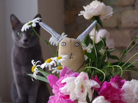Serious bunny от adatine на Etsy