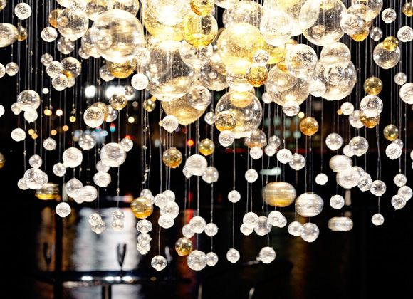 Bubble lightTrav'Lin Lights, Lights Installations, Healthy Salad, Pretty Things, Bubbles Chandeliers, Felt Flower, Lights Ideas, Tables Decor, Dining Tables