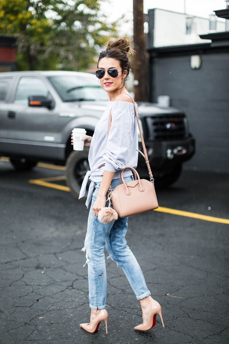 DETAILS: GREY OFF-THE-SHOULDER TOP (UNDER $50 – WEARING SIZE SMALL)) | DISTRESSED DENIM (UNDER A $100 – WEARING SIZE 25) | NUDE PUMPS | GIVENCHY MINI CROSSBODY BAG | NUDE BAG POM | AVIA…