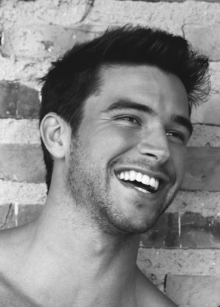 сегодня парень улыбается фото оргазмы