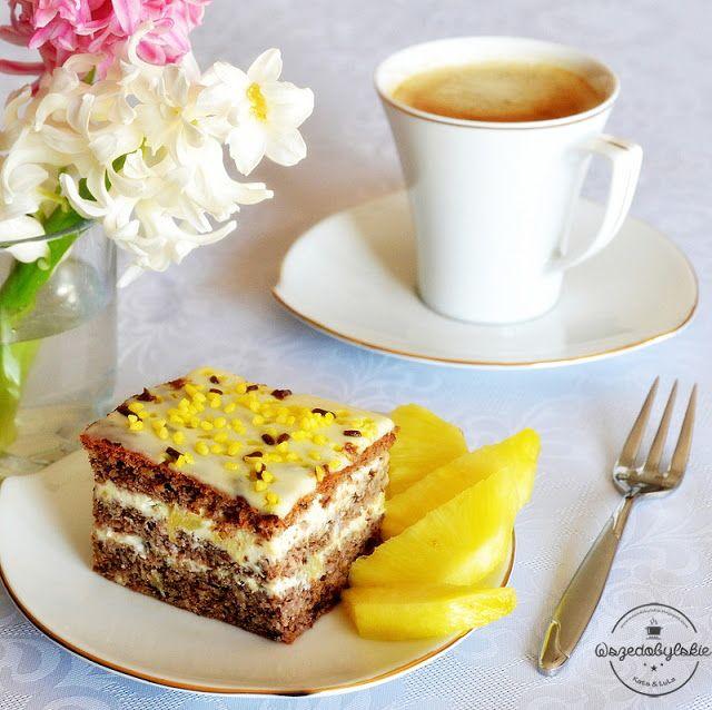 Wszędobylskie: Orzechowe ciasto z lekko egzotycznym kremem.