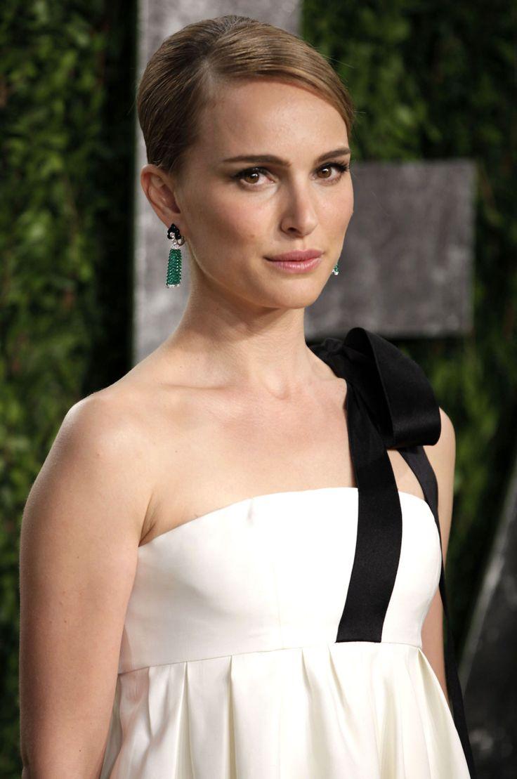 Natalie Portman in Dior - Vanity Fair Oscar party