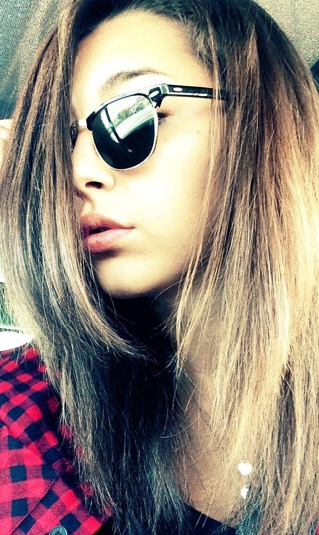 Just me, myself and I #girl #beautifulgirl #tiffanyandco #tattoo #italy #glasses #rayban