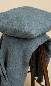 CUSHION IN CHARCOAL - SQUARE KNIT
