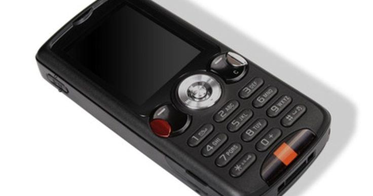 Cómo rastrear por teléfono celular. Rastrear un teléfono celular puede ayudarte a recuperar un dispositivo celular robado o perdido. Puede también ayudarte a encontrar su ubicación o hacer un seguimiento de un familiar o de un ser querido. Con una computadora o acceso a Internet, puedes rastrear un teléfono celular usando una ficha de posicionamiento global por satélite o GPS. Hay ...