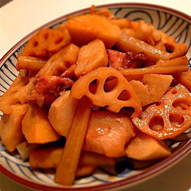 味がしゅんでます( ˘ ³˘)♥ ゚+。:.゚ - 44件のもぐもぐ - 里芋ゴボウ蓮根と鶏肉煮物〜♫ルクルーゼで꒰⌯͒•ɷ•⌯͒꒱ฅ❤️ by ゆめ
