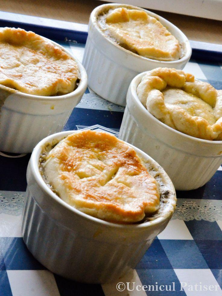 Plăcintă cu ciuperci în sos alb (Ramekin)