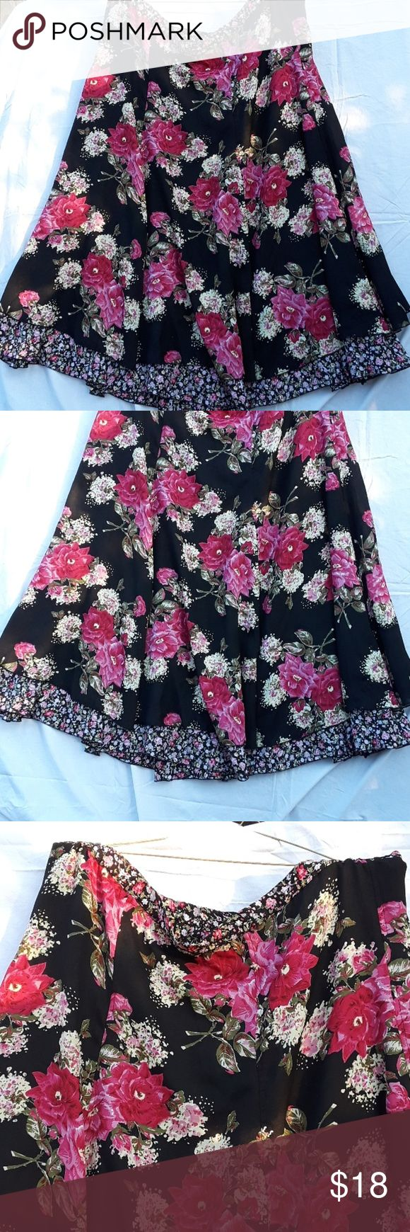 PLUS SIZE WOMEN SKIRT Women floral SKIRT multi function can wear and both sides 3x very cute lengths 37 ins waist circumference IS  44 ins . Skirts Circle & Skater