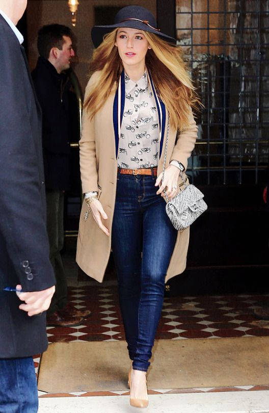 Blake Lively leaving her hotel in New York City I February 19