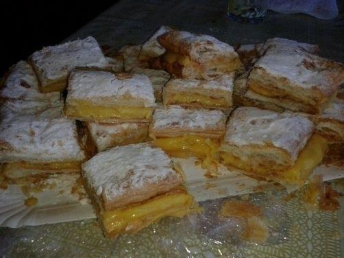 Milhojas de crema para #Mycook http://www.mycook.es/receta/milhojas-de-crema/
