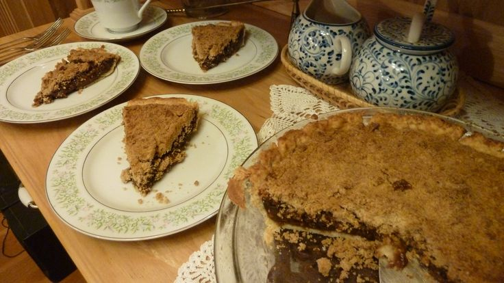 Reblogged and adaptedfrom Mennonite Community Cookbook blog where it was first published. Mennonite Community Cookbook's Vanilla Pie (Better than Shoo Fly?) I recently made my very first shoo fly …