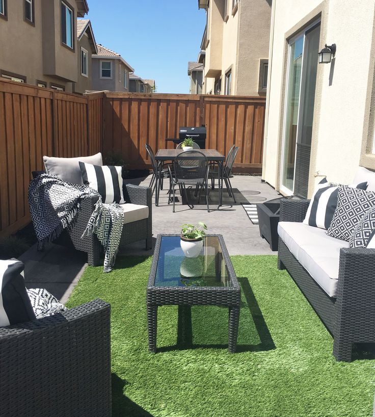 best 25 patio set up ideas on pinterest patio lighting outdoor pole lights and small backyards. Black Bedroom Furniture Sets. Home Design Ideas